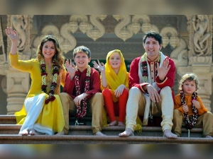 Justin Trudeau Wife Sophie Wore Anita Dongre On India Trip