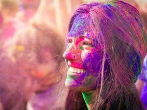 Holi 2018 How To Remove Holi Colours From Your Skin And Hair