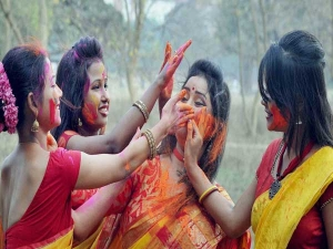 Safe Ways To Celebrate Holi When Pregnant