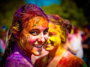 Holi 2018 Colours Choose According Your Zodiac Sign