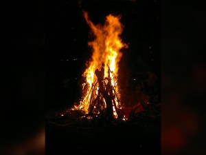 Dont Commit This Mistake During Holika Dahan Night