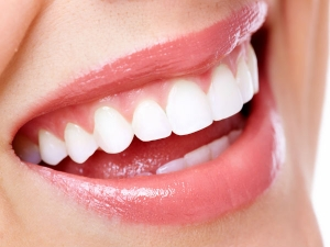 Use This Household Remedy Remove Plaque From Teeth