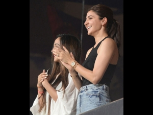 Anushka Sharma At Ipl Match Cheering Virat Rcb