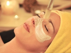 Tips Tricks Do Gold Facial At Home