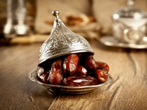 Why Do Muslim Eat Dates During Ramadan
