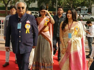 Janhvi Kapoor Wears Sridevi S Saree Receive Late Mother National Award