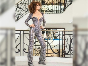 Kangana Ranaut Brings Back Her Curly Hair Full Force Cannes Red Carpet