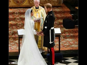 You Must See How Divine Meghan Markle Looks Her Wedding Gown