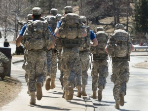 What Is Rucking The Military Inspired Cardio Workout Trend
