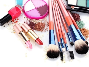 Makeup Mistakes That Turn Guys Off On Date