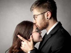 Men S Acts That Women Think Are Purely Romantic Nature