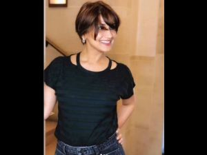 Sonali Bendre Shares Her New Look After Being Diagnosed With Cancer