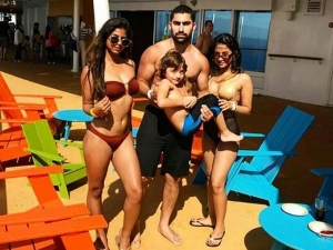Suhana Khan Makes Jaws Drop With Her Latest Bikini Picture