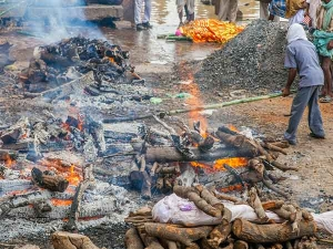 Why Do Hindus Hit On The Head Dead Body After Cremation