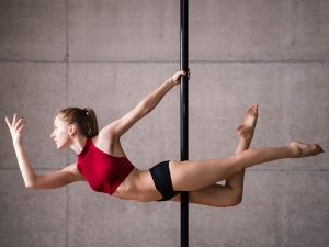 Pole Dance Exercise Moves Make You Look Sexier
