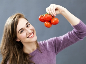 How Use Tomato Treat Dark Circles
