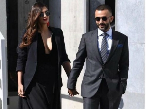 Sonam Kapoor Anand Ahuja Make Stylish Appearance At Milan Fashion Show