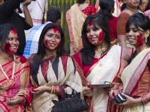 Different Ways Celebrating Navratri India