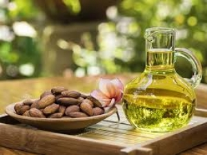 How Use Almond Oil Your Skin Overall Health