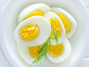 Why Every Man Needs Start Eating More Egg Yolks