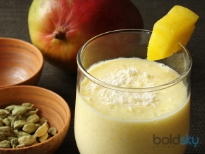 Amazing Health Benefits Of Drinking Lassi Or Buttermilk In Summer