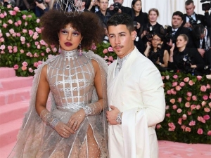 Priyanka Chopra S Met Gala Dior Gown Took 1500 Hours To Create