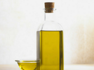 Refined Oils And Why You Should Never Eat Them