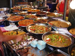 Why Should You Avoid Street Food In Monsoon