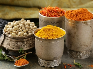 This Is How You Must Store Spice During Monsoon
