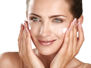 The Difference Between Day And Night Creams