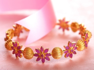 Rakhis And Jewellery For Brother Sister Gift Ideas For Rakshabandhan