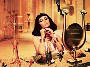 Scientists Recreate Cleopatra S 2 000 Year Old Perfume