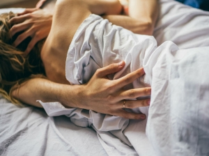 Sleep Patterns Say A Lot About Your Love Life Finds A Study