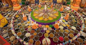 Janmashtami 2019 Significance Of Chappan Bhog Why Does It Contain 56 Food Items