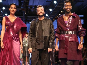 Lfw 2019 Lisa Haydon And Hardik Pandya Walk For Amit Aggarwal