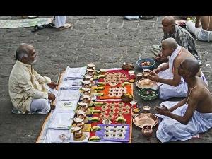 Pitru Paksha Listen Pitra Dev Ki Aarti Bhajan And Mantra In Shradh