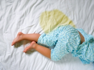 How To Remove Urine And Blood Stains From Mattress