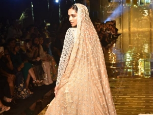 Deepika Padukone Looks Like A Goddess As She Walks The Ramp For Fashion Show