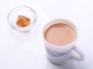 Replace Sugar With Jaggery In Your Tea For These Amazing Health Benefits