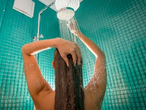 How Much Hot Water Does Bath Or Shower Use