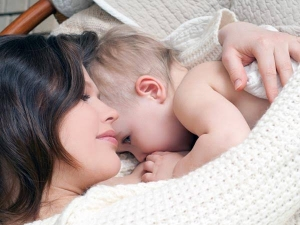 Why Most Women Dream Feed Their Babies