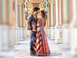 Sara And Kartik Give Couple Fashion Goals For Valentine Day