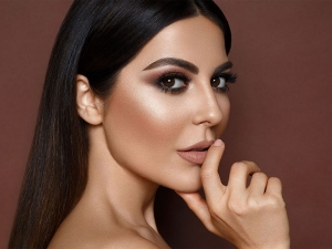 How To Use Highlighter On Face For Glowing Skin