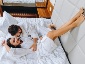 Lazy Girl Sex Tips That Ll Turn Him On Without Tiring You Out