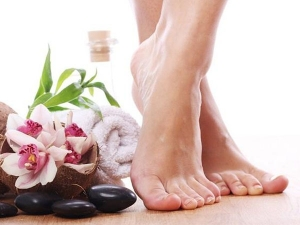 Use These Tips For Soft And Beautiful Feet In Summer