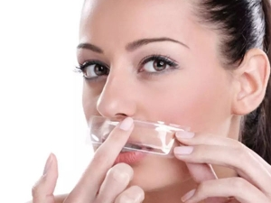 How To Remove Upper Lip Hair At Home During Coronavirus