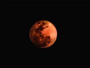 Super Pink Moon Will Be The Worst For These Zodiac Signs