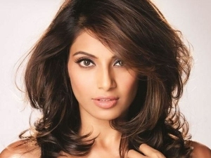 Wedding Anniversary Special Bipasha Basu Reveals Her Beauty Secrets