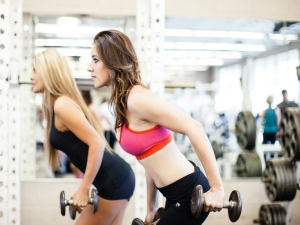 Tone And Tighten Your Upper Body With These 6 Moves