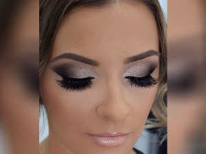 5 Silver Eye Makeup Best For Party